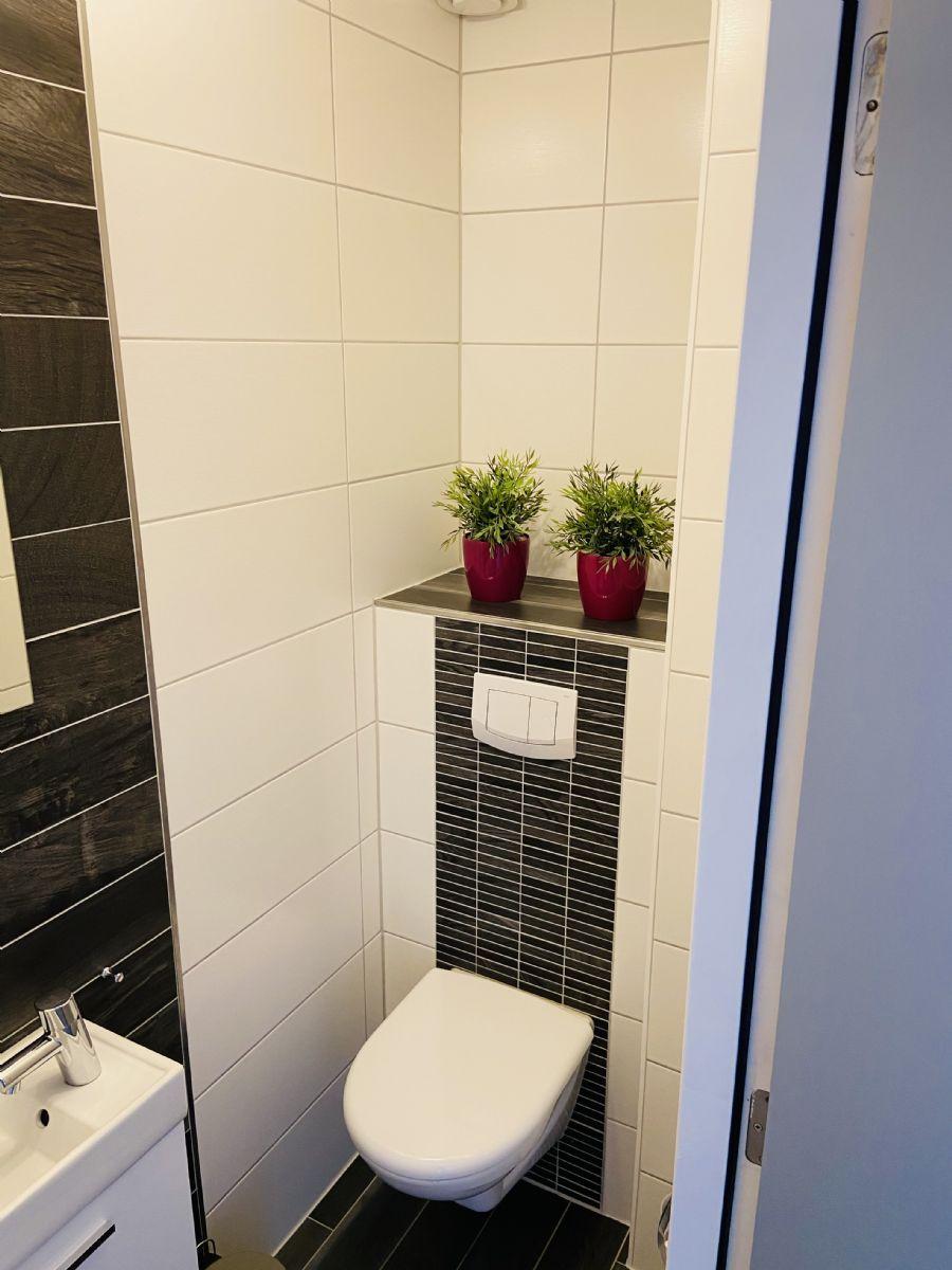 Wohnraeume / Gäste WC